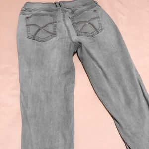 Light wash junior jeans